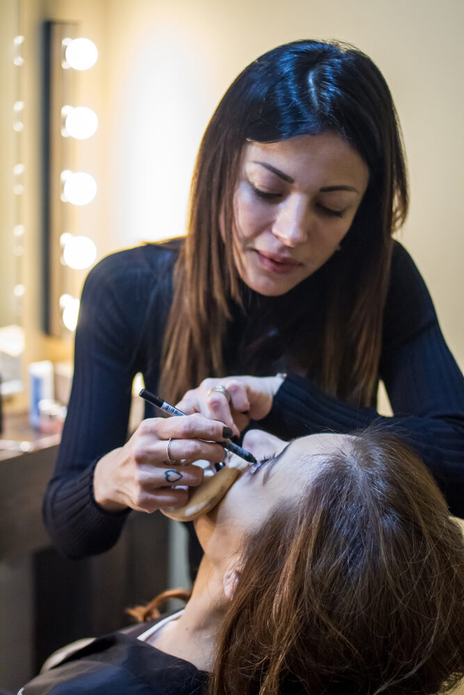 Luz Juanes maquillada en rogelaine imagen